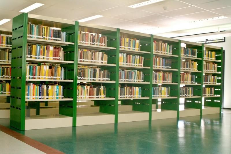 Estante biblioteca aço